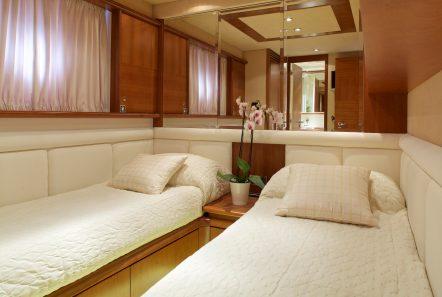 iris azimut motor yacht cabins and baths (10) -  Valef Yachts Chartering - 4514