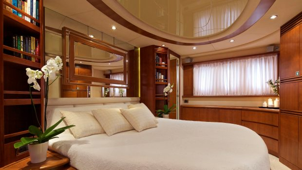 iris azimut motor yacht cabins and baths (11) -  Valef Yachts Chartering - 4513