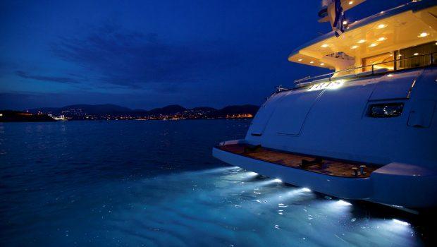 iris azimut motor yacht exterior (1) -  Valef Yachts Chartering - 4504