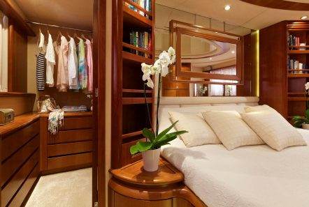 iris azimut motor yacht master -  Valef Yachts Chartering - 4498