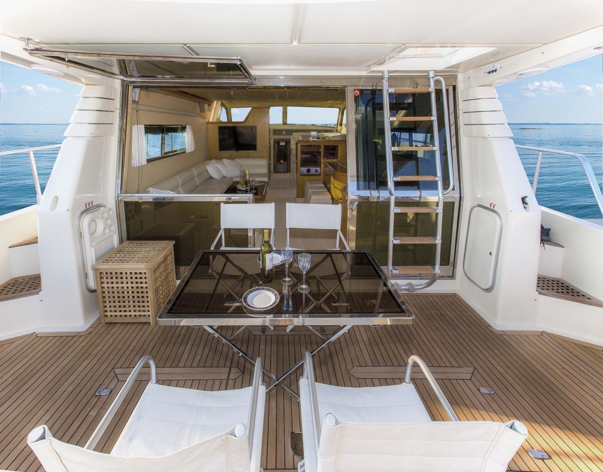 isadora ferretti motor yacht aft deck2 min -  Valef Yachts Chartering - 5273