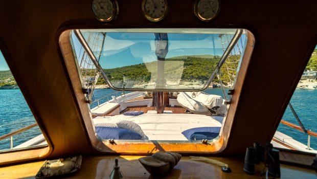 joanna k greek motor sailer salon fore (2) min -  Valef Yachts Chartering - 4375