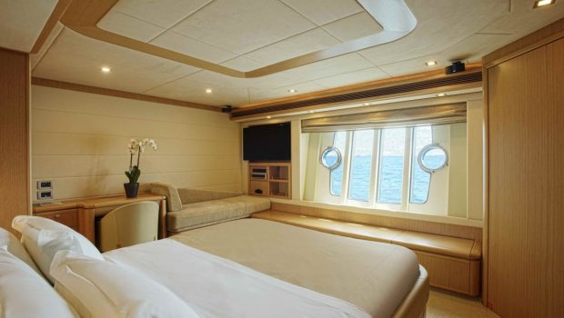julie m motor yacht cabins (4) min -  Valef Yachts Chartering - 3917