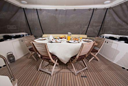 july motor yacht aft deck_valef -  Valef Yachts Chartering - 4929
