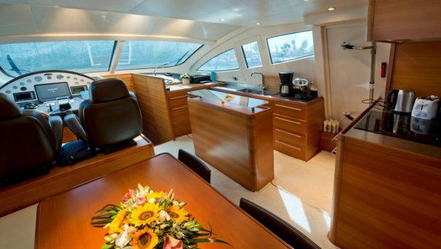 july motor yacht dining_valef -  Valef Yachts Chartering - 4928