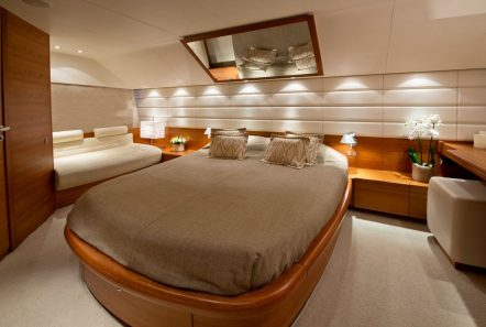 july motor yacht master stateroom_valef -  Valef Yachts Chartering - 4927