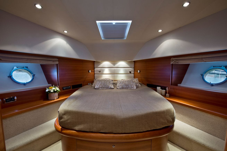 july motor yacht  vip stateroom_valef -  Valef Yachts Chartering - 4930