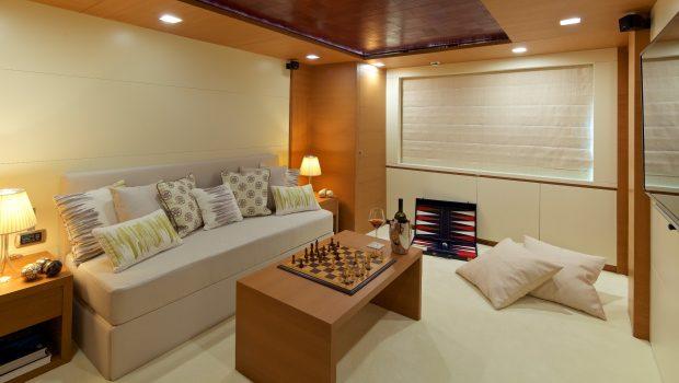 kintaro motor yacht playroom convert cabin min -  Valef Yachts Chartering - 4535