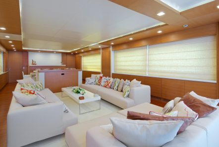 kintaro motor yacht salon (3) min -  Valef Yachts Chartering - 4532