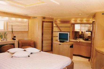 lady p motor yacht master stateroom (1)_valef -  Valef Yachts Chartering - 5084