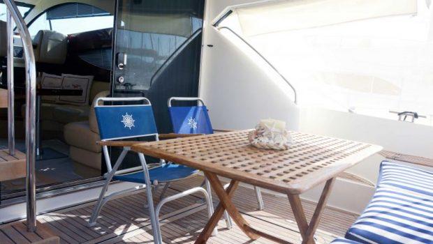 liazeta motor yacht aft dining (2)_valef -  Valef Yachts Chartering - 5027