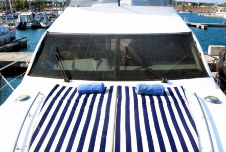 liazeta motor yacht fore_valef -  Valef Yachts Chartering - 5019