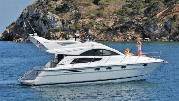 liazeta motor yacht profile_valef -  Valef Yachts Chartering - 5016