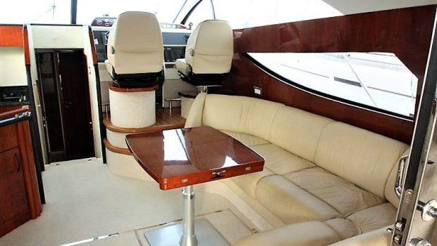 liazeta motor yacht salon dining (3)_valef -  Valef Yachts Chartering - 5013