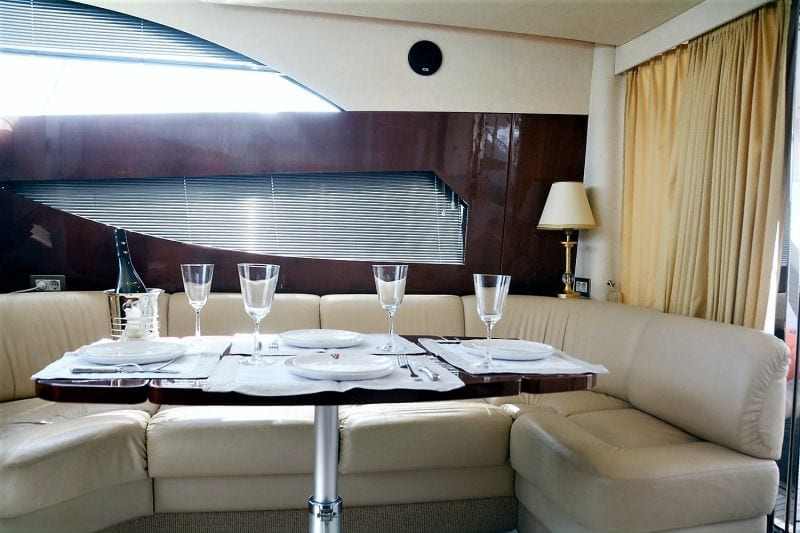 liazeta motor yacht salon dining (5)_valef -  Valef Yachts Chartering - 5011