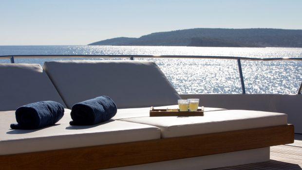 libra y motor yacht aft (1) min -  Valef Yachts Chartering - 3678