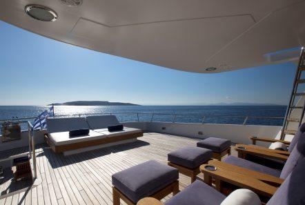 libra y motor yacht aft (3) min -  Valef Yachts Chartering - 3676
