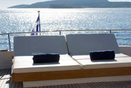 libra y motor yacht aft (4) min -  Valef Yachts Chartering - 3675