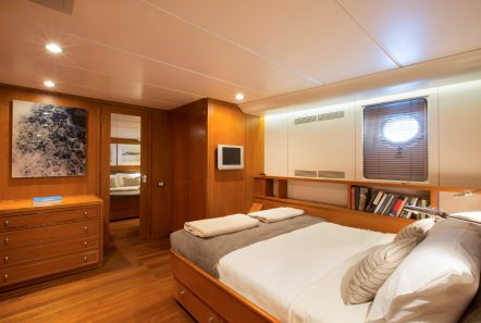 libra y motor yacht cabins (1) min -  Valef Yachts Chartering - 3667