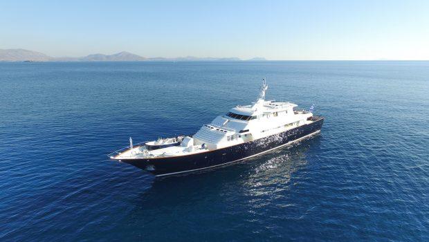 libra y motor yacht exteriors (2) min -  Valef Yachts Chartering - 3662