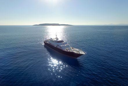 libra y motor yacht exteriors (3) min -  Valef Yachts Chartering - 3661