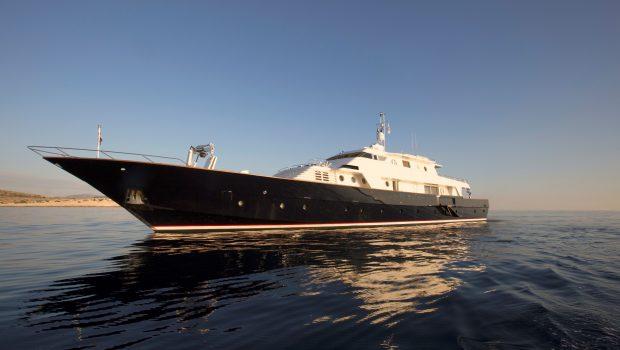 libra y motor yacht exteriors (5) min -  Valef Yachts Chartering - 3659