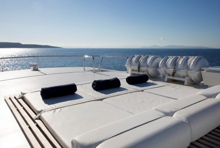 libra y motor yacht sun decks (4) min -  Valef Yachts Chartering - 3690