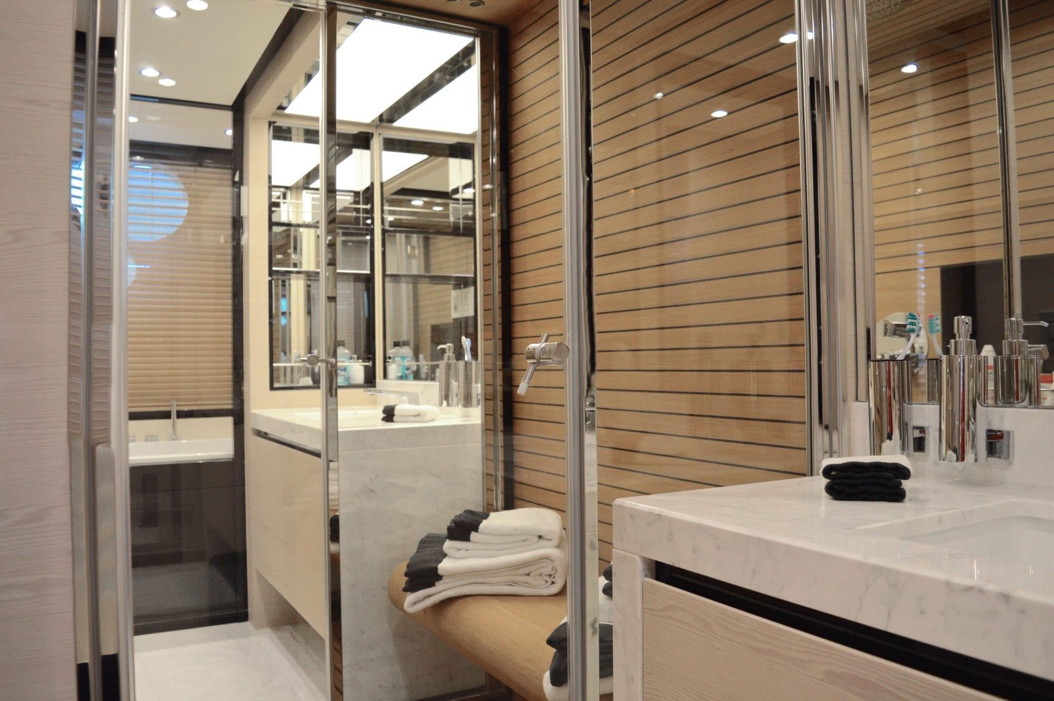 memories motor yacht bath1 -  Valef Yachts Chartering - 3982