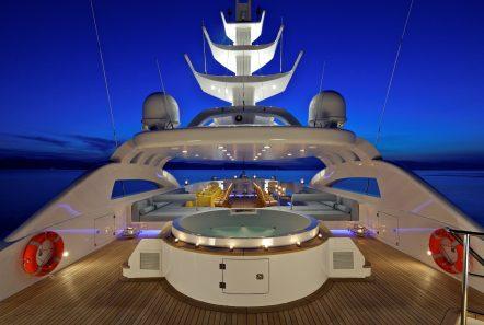 mia rama mega yacht jacuzzi (2) min -  Valef Yachts Chartering - 3966