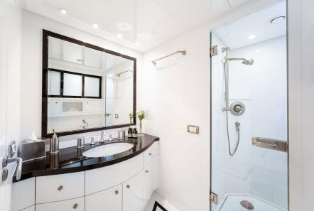 milos at sea motor yacht bath (1) min -  Valef Yachts Chartering - 4312