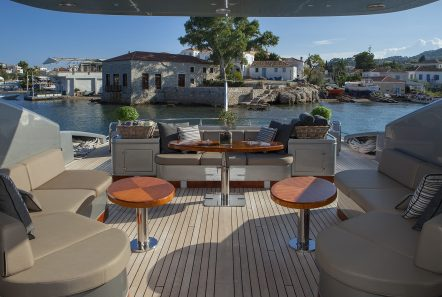 my toy motor yacht aft deck -  Valef Yachts Chartering - 4961