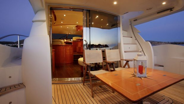 nell mare motor yacht aft deck (1)_valef -  Valef Yachts Chartering - 4853