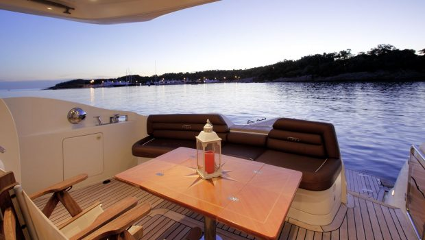 nell mare motor yacht aft deck (2)_valef -  Valef Yachts Chartering - 4852