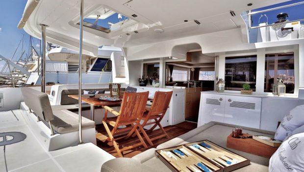 new horizons catamaran aft deck_valef -  Valef Yachts Chartering - 5075