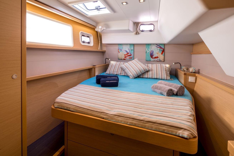 new horizons catamaran double cabin2_valef -  Valef Yachts Chartering - 5071