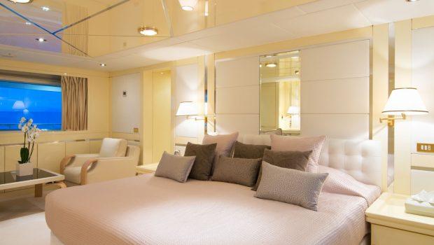 o_natalina VIP stateroom aft (1)_valef -  Valef Yachts Chartering - 4988