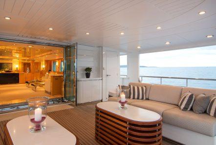 o_natalina aft lounge (1)_valef -  Valef Yachts Chartering - 4974
