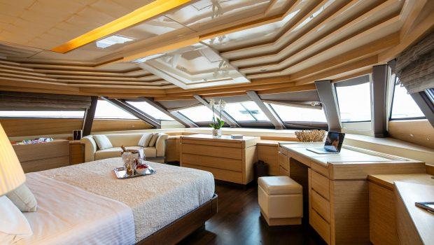 rini motor yacht master stateroom -  Valef Yachts Chartering - 4860