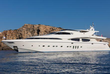 rini v motor yacht exterior min -  Valef Yachts Chartering - 4836