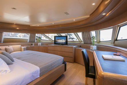 rini v motor yacht fore stateroom min -  Valef Yachts Chartering - 4835