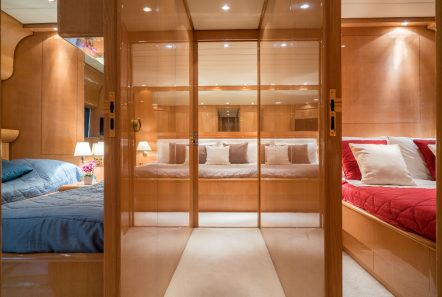 romachris ii motor yacht cabin -  Valef Yachts Chartering - 4066