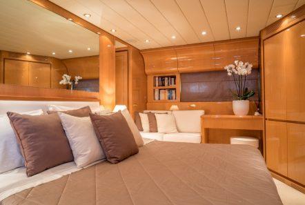 romachris ii motor yacht master -  Valef Yachts Chartering - 4070
