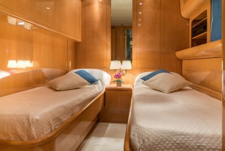 romachris ii motor yacht twin -  Valef Yachts Chartering - 4067