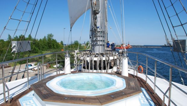 running on waves sailing yacht jacuzzi min -  Valef Yachts Chartering - 4465