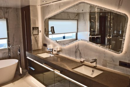 serenity superyacht bath (1) min -  Valef Yachts Chartering - 4194