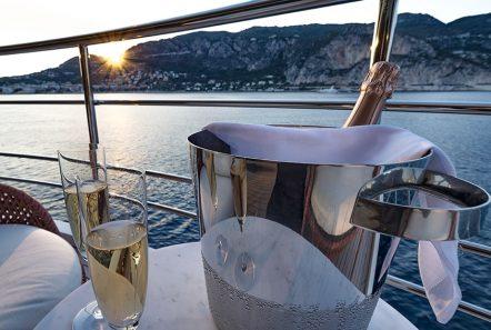 serenity superyacht champagne min -  Valef Yachts Chartering - 4208