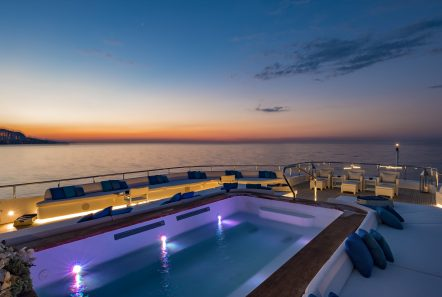 serenity superyacht deck (3) min -  Valef Yachts Chartering - 4204