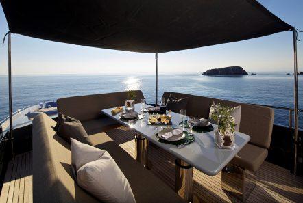 solaris motor yacht dining bimini min -  Valef Yachts Chartering - 4655