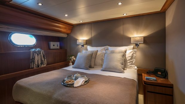 summer dreams motor yacht double cabin min -  Valef Yachts Chartering - 4730