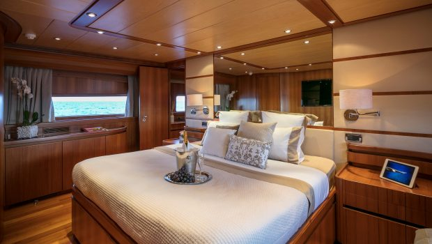 summer dreams motor yacht master min -  Valef Yachts Chartering - 4728